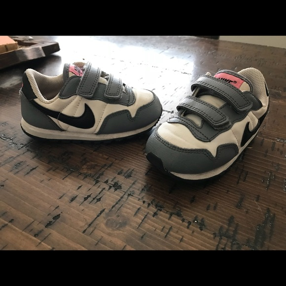Nike toddler girl shoes